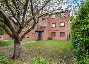 Thumbnail 2 bedroom flat for sale in Valley Green, Hemel Hempstead