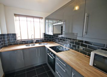 Thumbnail 2 bed flat to rent in Queens Avenue, Canterbury, Kent