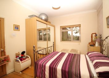 Thumbnail 1 bed flat for sale in High View Avenue, Grays