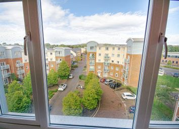 Reynolds Avenue, Redhill RH1. 2 bed flat for sale