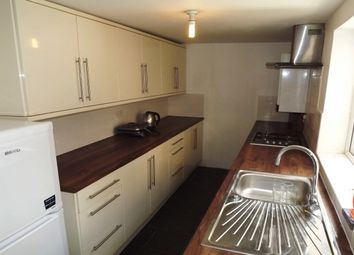 Thumbnail 4 bed property to rent in Cowper Street, Luton