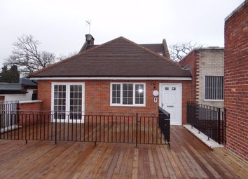 Thumbnail 2 bed flat to rent in Woodside Close, Amersham