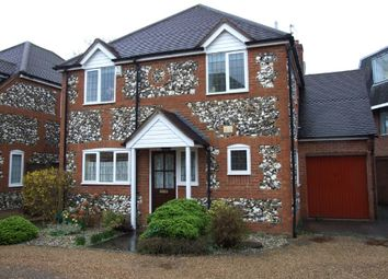 Thumbnail 3 bed detached house to rent in Victoria Gardens, Marlow, Buckinghamshire