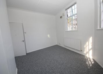 Thumbnail 1 bed flat to rent in Edgwarebury Lane, Edgware, Middlesex