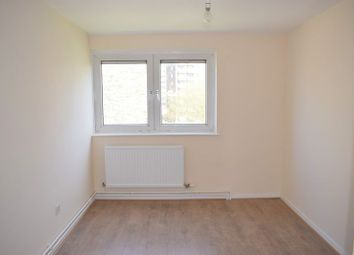 Thumbnail 4 bedroom flat to rent in Acacia Road, London