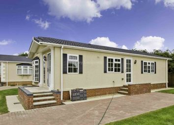 Thumbnail 2 bedroom mobile/park home for sale in Commons Road, Whittlesey, Peterborough