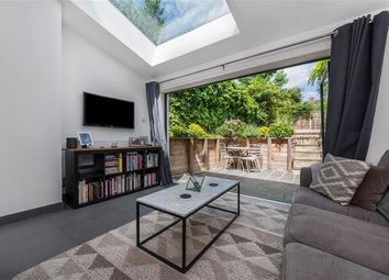 Thumbnail 2 bed property to rent in Grayling Road, London