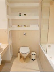 Thumbnail 1 bed flat to rent in Discovery Dock Apartments Westreet, 2 South Quay Square, London