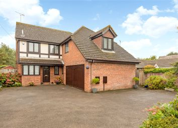 Crouch Lane, Winkfield, Berkshire SL4. 3 bed detached house