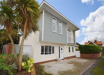 Thumbnail 2 bed detached house for sale in Carlton Avenue, Westcliff-On-Sea, Essex