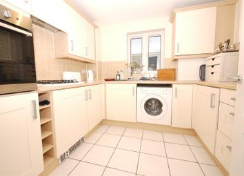Thumbnail 2 bed flat to rent in Hanbury Square, Petersfield