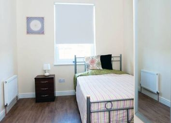 Thumbnail Room to rent in Eglinton Road, London