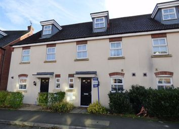 3 bed town house for sale in Farnborough Drive, Daventry, Northants NN11