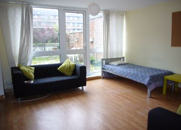 Thumbnail 3 bed duplex to rent in Crondall Street, Hoxton