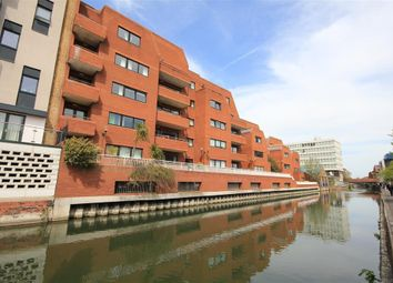 Thumbnail 1 bedroom flat for sale in Selborne Court, Kings Road, Reading