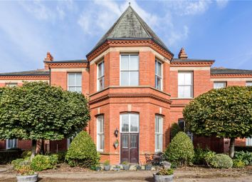 Wentworth House, Hampstead Avenue, Woodford Green, Essex IG8. 2 bed flat for sale