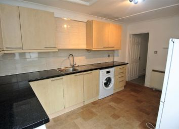 2 bed flat to rent in Church Mews, Station Road, Addlestone KT15