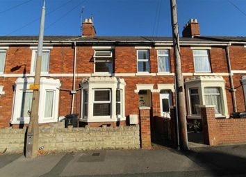 3 bed terraced house to rent in York Road, Swindon, Wiltshire SN1