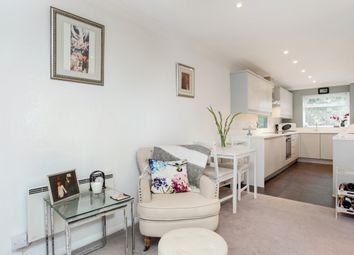 Thumbnail 2 bedroom flat to rent in Princes Road, Weybridge