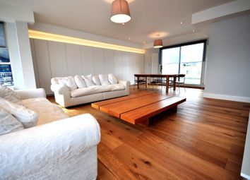 Thumbnail 3 bed flat to rent in Jardine Road, London