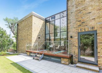 4 bed terraced house to rent in Rushgrove Mews, Rushgrove Street, London SE18