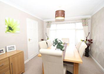 4 bed property for sale in Bennett Way, Dartford DA2
