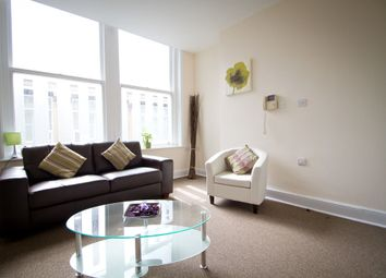 Thumbnail 3 bed flat to rent in Beaumont Street, London