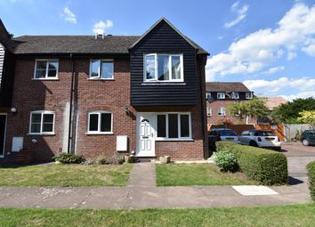 2 bed flat to rent in Saffron Close, Newbury RG14