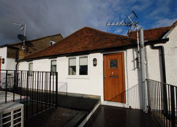 1 bed flat to rent in Queens Square, High Street, Princes Risborough HP27
