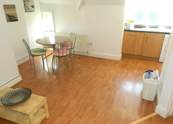 Thumbnail 2 bed flat to rent in Chatsworth Road, Croydon