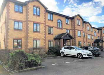 Thumbnail 2 bed flat to rent in Kinnaird Close, Slough