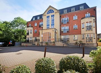 Thumbnail 2 bedroom flat to rent in Post Office Lane, Beaconsfield