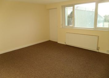 Thumbnail 2 bedroom flat to rent in Hawthorn Road, Kingstanding, Birmingham