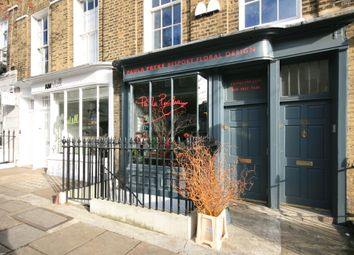 Retail premises to let in Amwell Street, Clerkenwell, London EC1R
