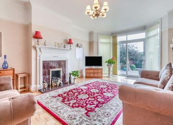 3 bed flat for sale in Wilbury Crescent, Hove, East Sussex, Uk BN3