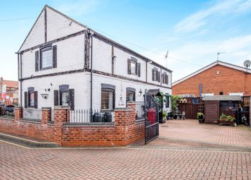 Thumbnail 3 bed detached house for sale in Horse Fair Green, Thorne, Doncaster