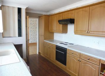 4 bed property to rent in Jermayns, Laindon, Basildon SS15