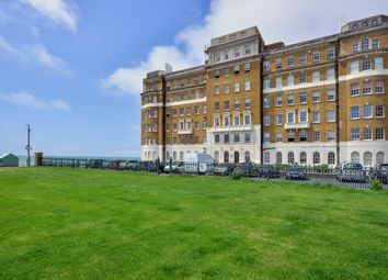 Thumbnail 3 bed flat to rent in Courtenay Terrace, Hove