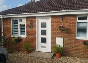 Thumbnail Room to rent in Insley Crescent, Broadstone