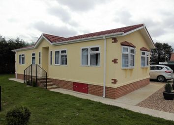 Thumbnail 2 bed bungalow for sale in Chapel House Caravan Park, Hawthorn Hill, Dogdyke, Lincoln