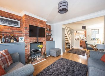 Thumbnail 2 bed cottage to rent in Luton Road, Harpenden