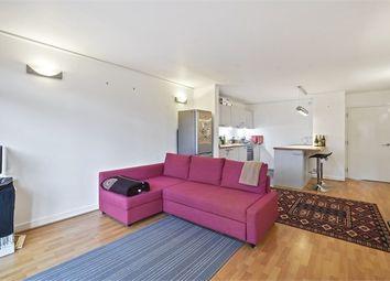 2 bed flat to rent in Mudlarks Boulevard, London SE10