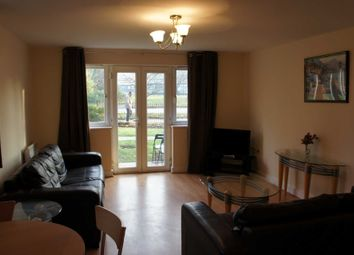 Thumbnail 2 bed flat to rent in Town Centre, Three Bridges, Crawley