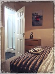 Thumbnail 4 bedroom shared accommodation to rent in Limetree Avenue, Belle Vue