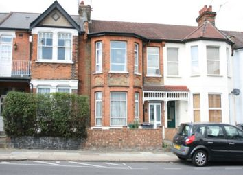 Thumbnail 1 bed flat to rent in Ground Floor Flat, Squires Lane, Finchley
