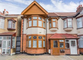 Thumbnail 2 bedroom flat for sale in Seven Kings Road, Ilford