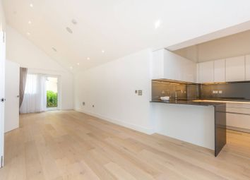 Thumbnail 4 bed flat to rent in Central Avenue, Fulham