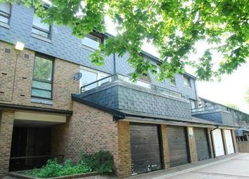 Thumbnail 2 bed flat to rent in Peckham, London