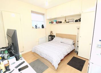 Thumbnail Studio to rent in Cranbrook Park, Wood Green