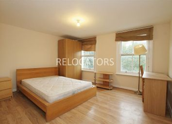 Thumbnail 3 bed flat to rent in Mile End Road, Stepney
